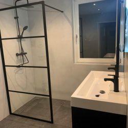 Badkamer lichtgrijs TIN